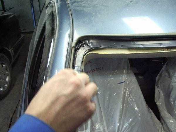 Чем заклеить лобовое стекло своими руками