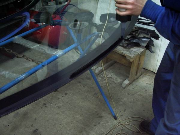 Замена лобового стекло своими руками